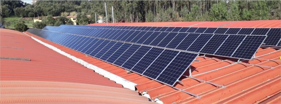Sistema de Autoconsumo Fotovoltaico de 192 Painéis